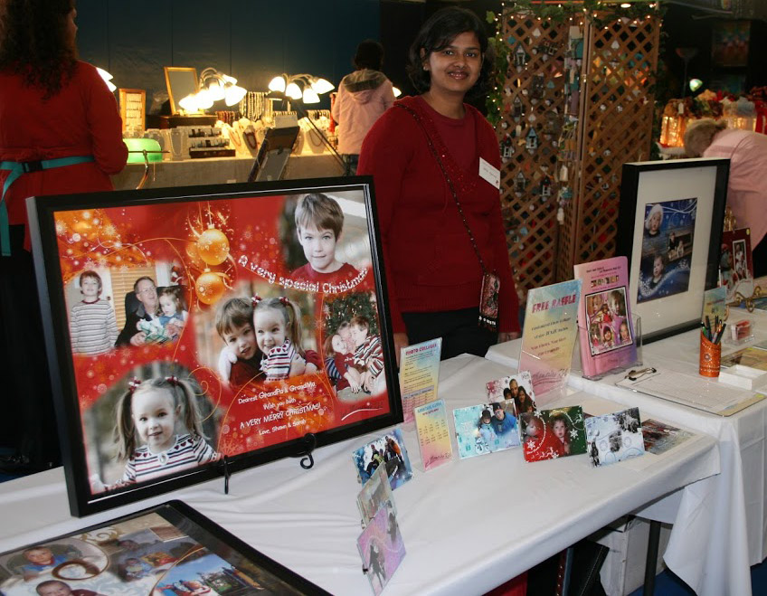 Shilpi-Agarwal-at-a-booth-in-Art-Festival